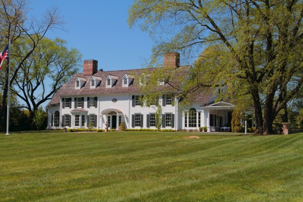 Stately Franklin Lakes
