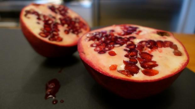 pomegranatehalves